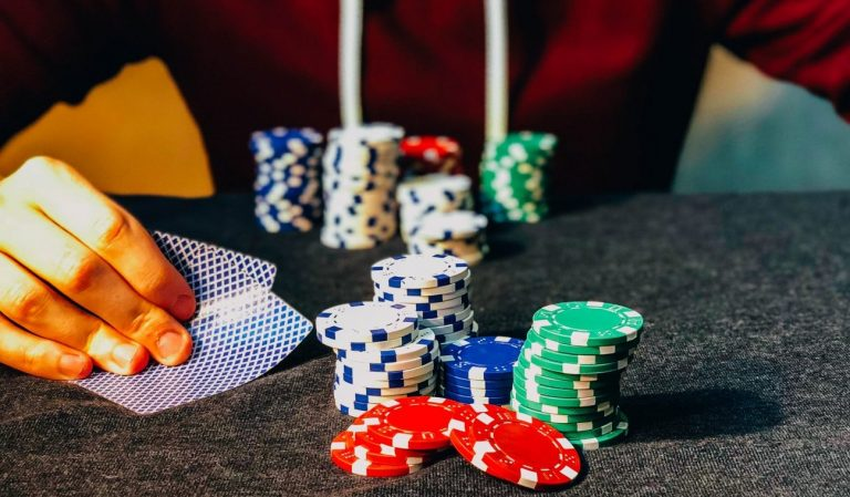 Win Money With The Online Casino Game